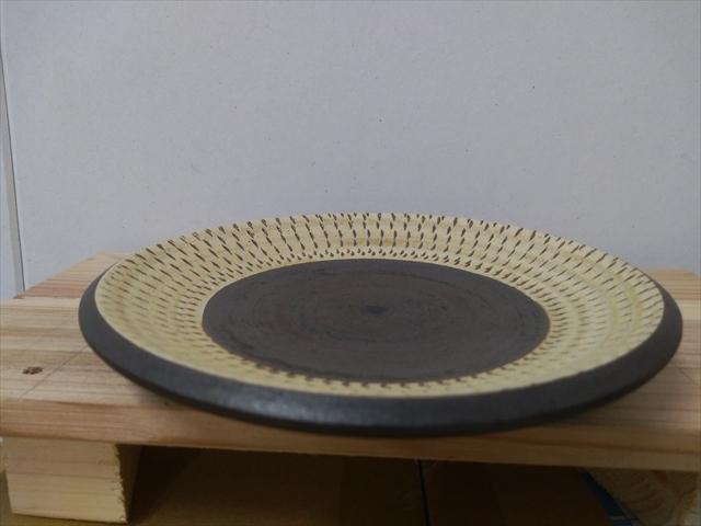 沖縄産 ツチノヒ やちむん 5寸皿 飛びかんな