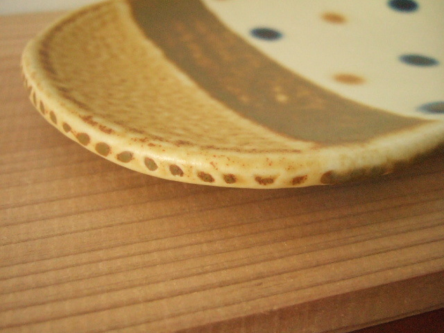 沖縄産 工房sen やちむん 楕円プレート あめ色とドット19.5cm