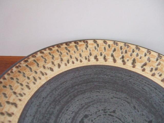 沖縄産 ツチノヒ やちむん 6寸皿 飛びかんな