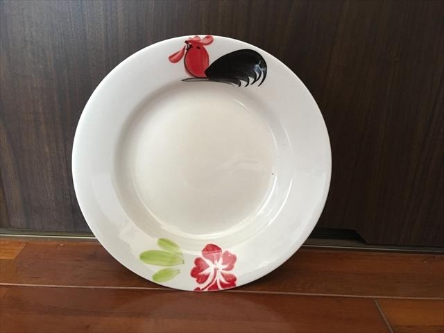 【タイ製】ニワトリとお花柄のお皿 20.5cm ランパーン陶器