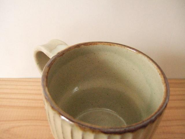 沖縄産 ツチノヒ やちむん マグカップ しのぎ白 スタッキング可能