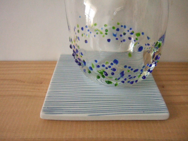 【タイ製】陶製のコースター 青の細いボーダー柄 陶板としても