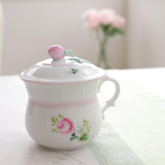 ☆御会員様限定☆再入荷☆ Herend VRH-X4 ウィーンの薔薇ピンク ラージクリームカップ 苺トップ 180ml  (*ピンクが淡めのお品です)