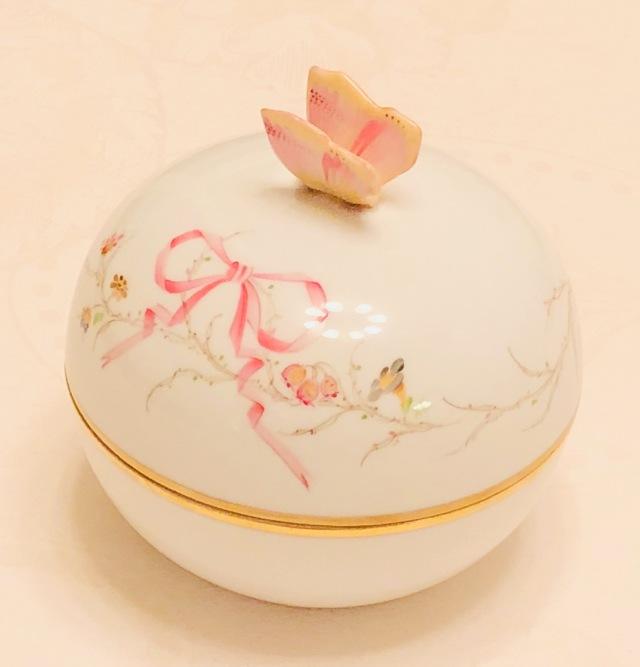 ☆レア☆ブランドBox付き☆ Herend EDEN桜ピンク シンプルバージョン 丸型ボンボン バタフライトップ