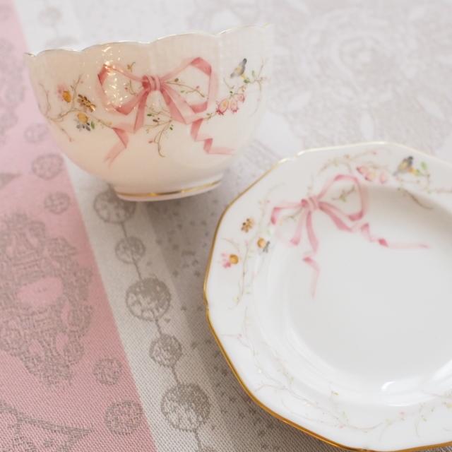☆お取り寄せ品☆納品までに3ヶ月前後☆レア☆ Herend ヘレンド エデン桜ピンク シンプル オリエンタル風ボウル&デザイン小皿 (*カップ&小皿のみ。その他撮影小物は付属しません。)