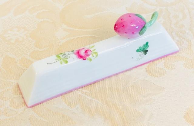 ☆再入荷☆ヘレンド VRH-X4 00276-0-11 ウィーンの薔薇ピンク ナイフレスト 苺