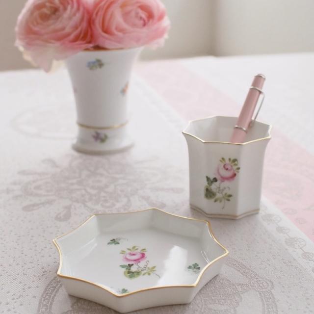 ☆再入荷ト☆ヘレンド ウィーンの薔薇シンプルゴールド マルチセット(*カップとトレイのみ。他のものは付属しません)
