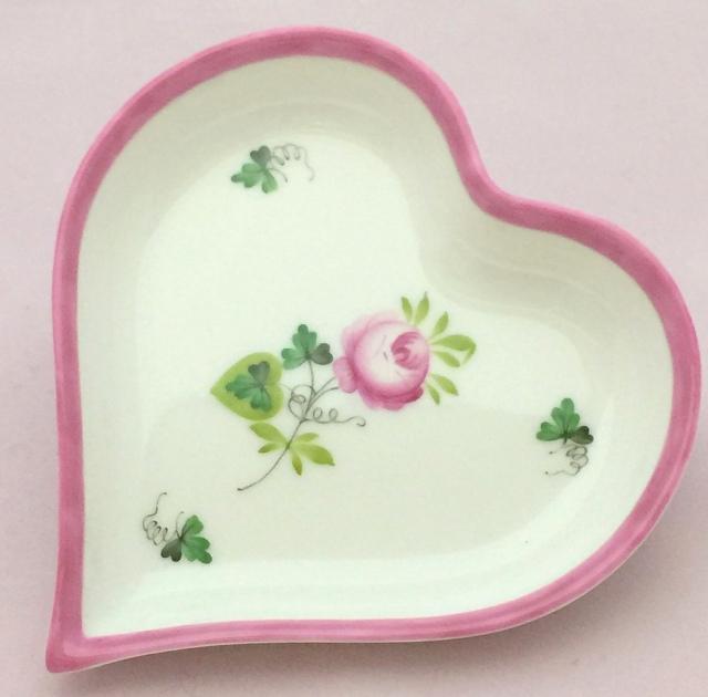 ☆再入荷☆ ヘレンド VRH-X4 ウィーンの薔薇ピンク ハート型 小物トレイ 淡めのお色味