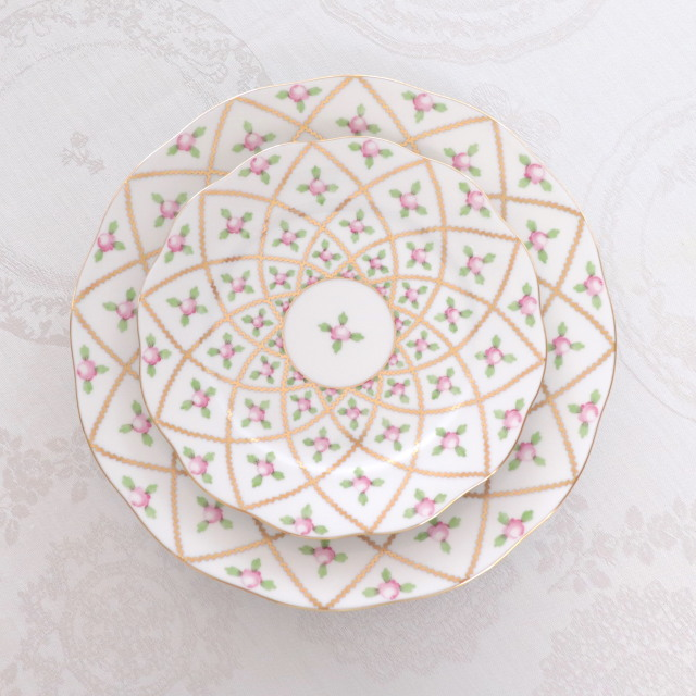 Herend ヘレンド  セーブル風小薔薇金彩 ディナープレート 約25cm (*ディナープレートのみのご案内です。他のアイテムは別売です。)