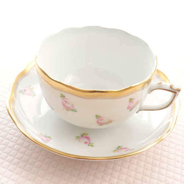 再入荷 【ご会員様限定】 ヘレンド PTRA 朝露の小薔薇 ティーカップ&ソーサー (*カップ&ソーサーのみ。プレートは付属しません。)