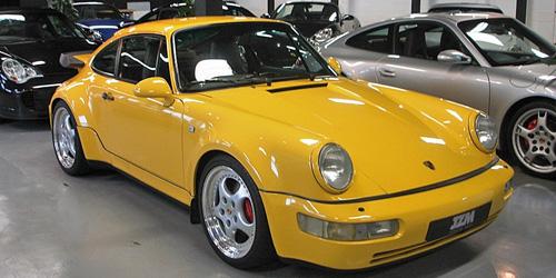 ◎予約品◎1/18 ポルシェ 911 ターボ (964) 1990 イエロー