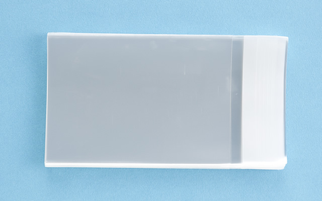 OPP袋 テープ付タイプ フィルムの厚み30μ 70×100ミリ 100枚入り