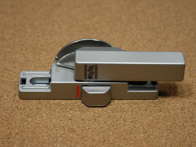 トステム ビル用サッシPRO70用 クレセント錠(中) BZC14 二重ロック付き