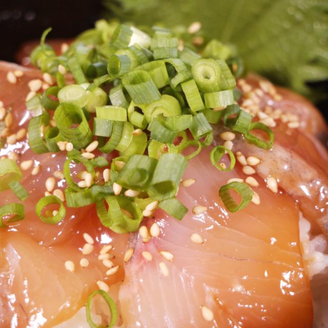 宮崎県産カンパチ漬け(海鮮丼)