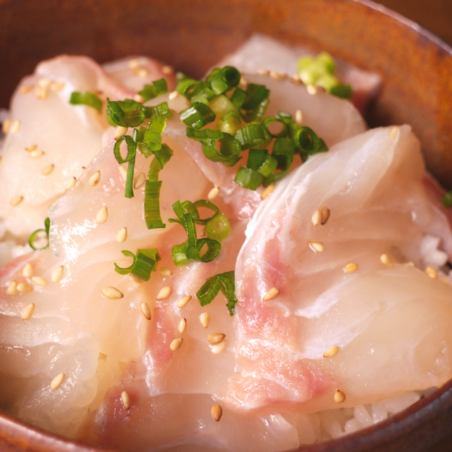 宮崎県産真鯛漬け(海鮮丼)