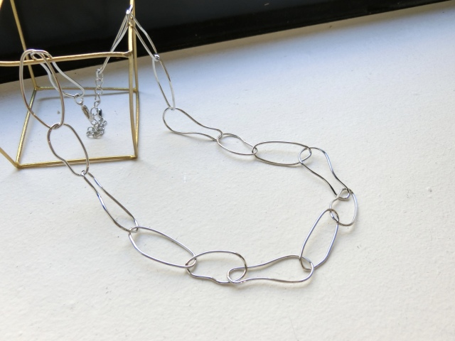 Oval design nuance chain Necklace