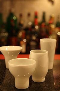 「うぉー!本当に味わいが変わる」日本酒を違う角度からも楽しめる酒器。カネコ小兵 一献盃(ミニ一献盃)