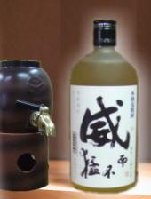 【甘い香りと口当たりの優しい三重県麦焼酎】 威(い)25度 720ml