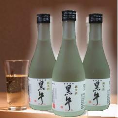 【冷も燗もそのままでもうまい 米の旨みを感じながらも飲み飽きない本格純米和歌山地酒】名手酒造 純米酒 黒牛 300ml