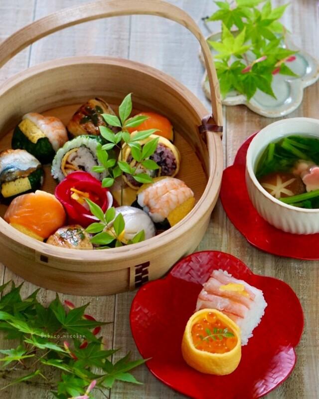 ◆冷凍◆うるわし手鞠わさび葉寿し15個★メディア掲載多数紅華手鞠寿しが綺麗な人気商品