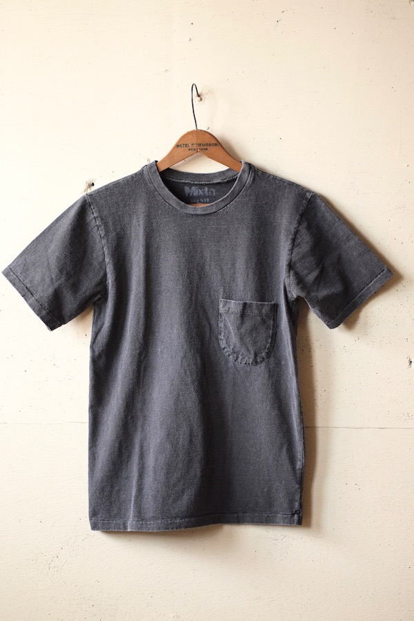 Mixta (ミクスタ) Crew Neck Pocket T-Shirt, Vintage Black-1