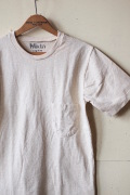 Mixta (ミクスタ) Crew Neck Pocket Tee Oatmeal-1