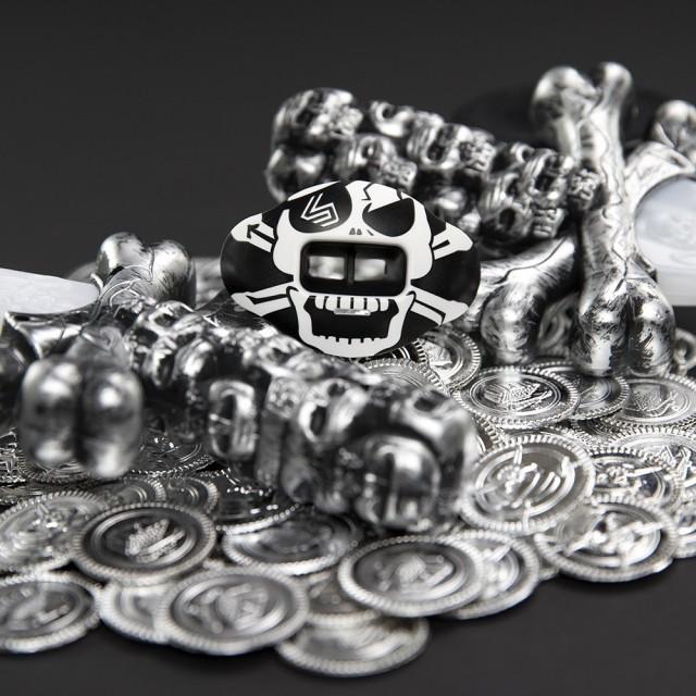 3500_skulls_crossbones