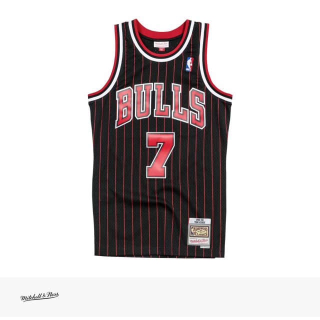 Mitchell & Ness SWINGMAN JERSEY TONI KUKOC 1995-96 CHICAGO BULLS ALTERNATE / ミッチェルアンドネス ジャージ