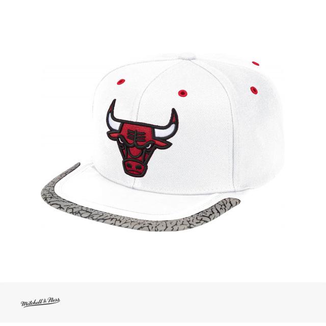 Mitchell & Ness NBA DAY 3 SNAPBACK CHICAGO BULLS   PATTERN   WHITE / ミッチェルアンドネス キャップ