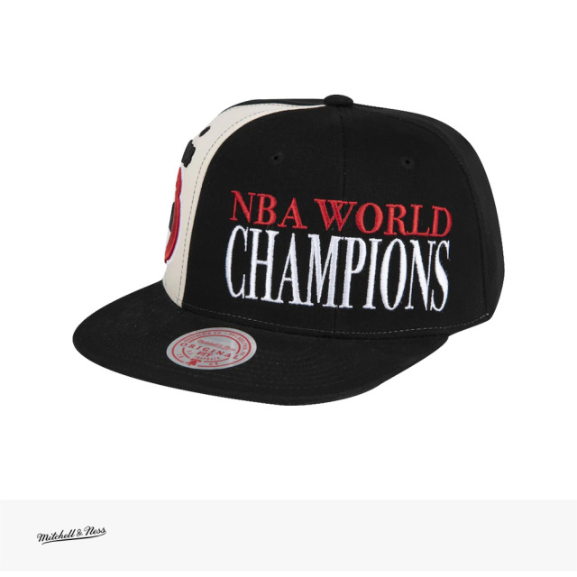 Mitchell & Ness NBA 75TH CANAL WORLD CHAMP SNAPBACK HWC HOUSTON ROCKETS | BLACK / ミッチェルアンドネス キャップ