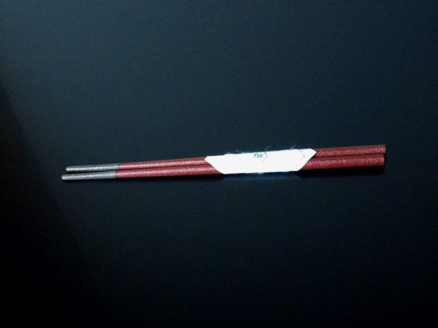 輪島漆塗小判型 「すべらん箸」 赤 (楕円5×7mm) 先銀彩
