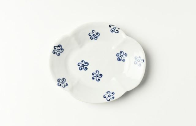 ほたる窯 染付小花文木瓜小皿