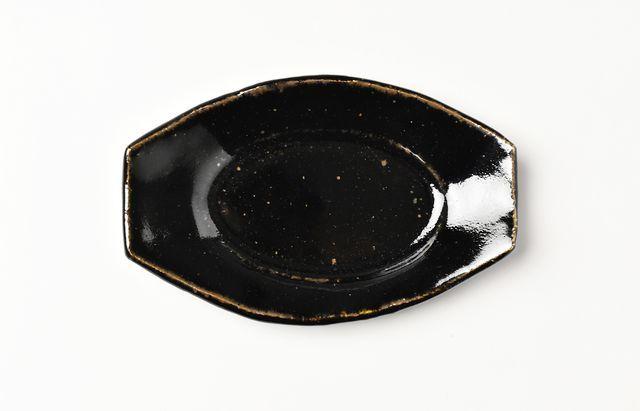 古賀雄二郎 楕円隅切り皿(豆)黒釉