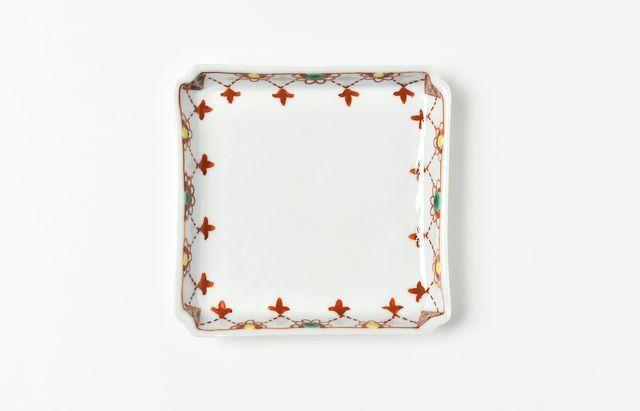 須谷窯 赤絵瓔珞文四方皿