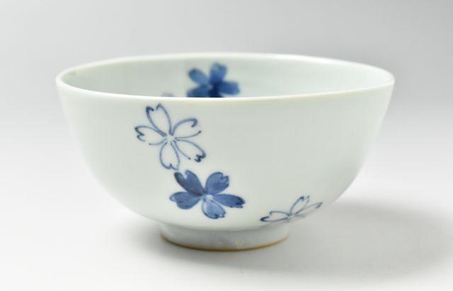 須谷窯 桜文碗(中)