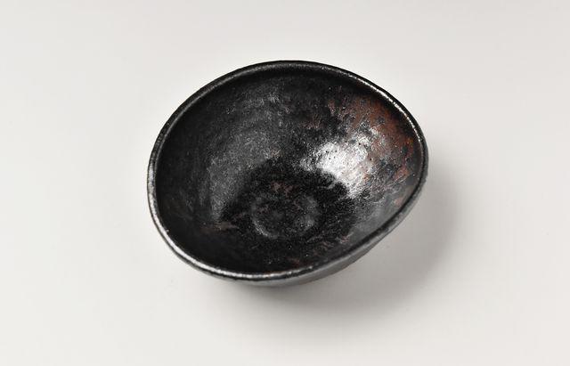 吉田学 鉄釉楕円小鉢