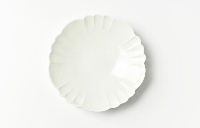 阿部春弥 白磁花形4.5寸皿