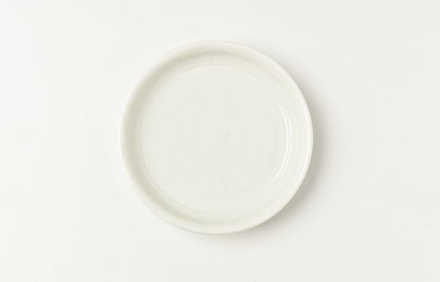 阿部春弥 白磁端反4寸皿