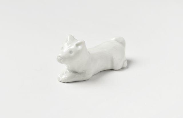 阿部春弥 箸置(犬・立型)白磁