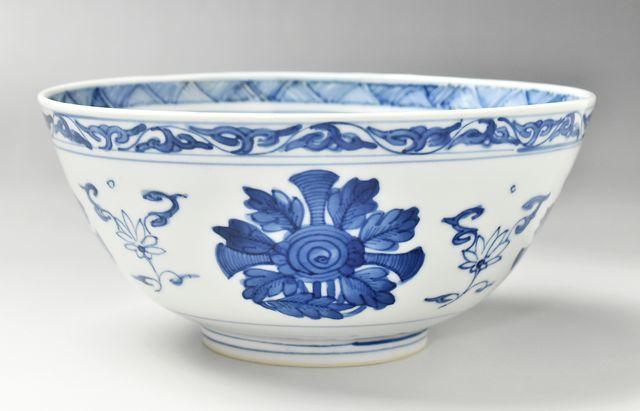 【一点もの】西納三枝 牡丹に山水図盛鉢