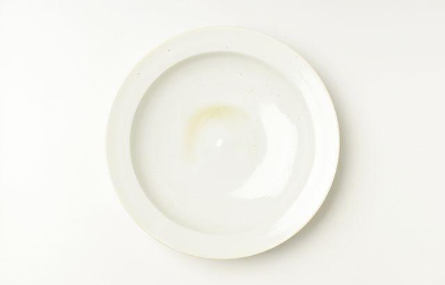 稲村真耶 乳白釉7寸リム深皿