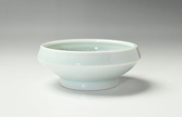 大沢和義 白磁折縁小碗