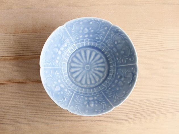 稲村真耶 湖水釉印刻菊文5寸鉢