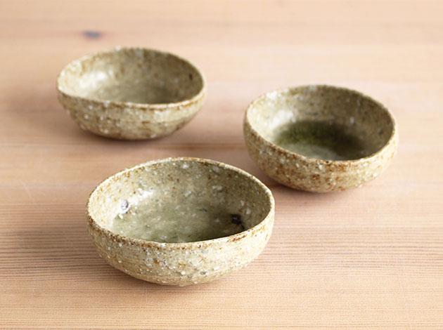 安達健 緑灰釉沓形豆鉢