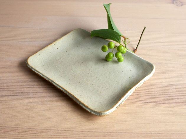 河内啓 白釉角皿(小)