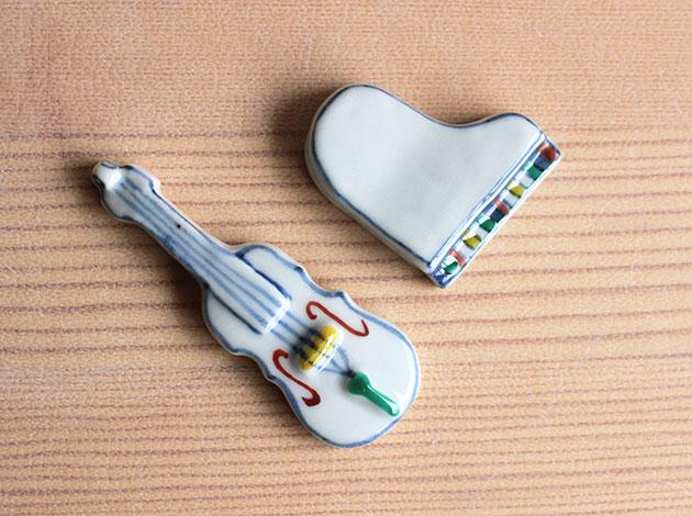 重田良古 色絵箸置き バイオリン、ピアノ