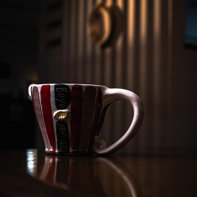 色絵ストライプマグカップ作家「吉岡萬理」