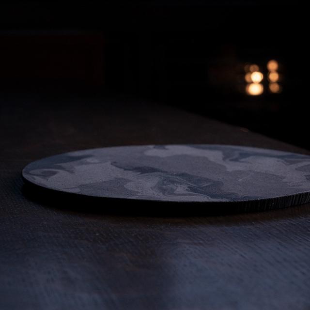 彩墨流丸板皿作家「瀬津純司」