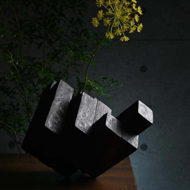 vase kouzo takeuchi