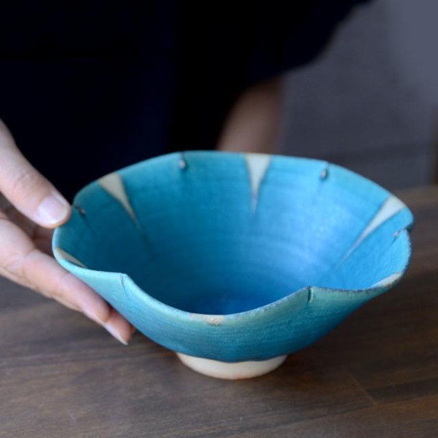 和食器 ターコイズ輪花鉢  作家「山本雅彦」